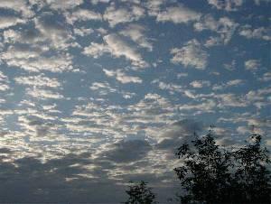 9月28日夕方6時頃の空の様子です。